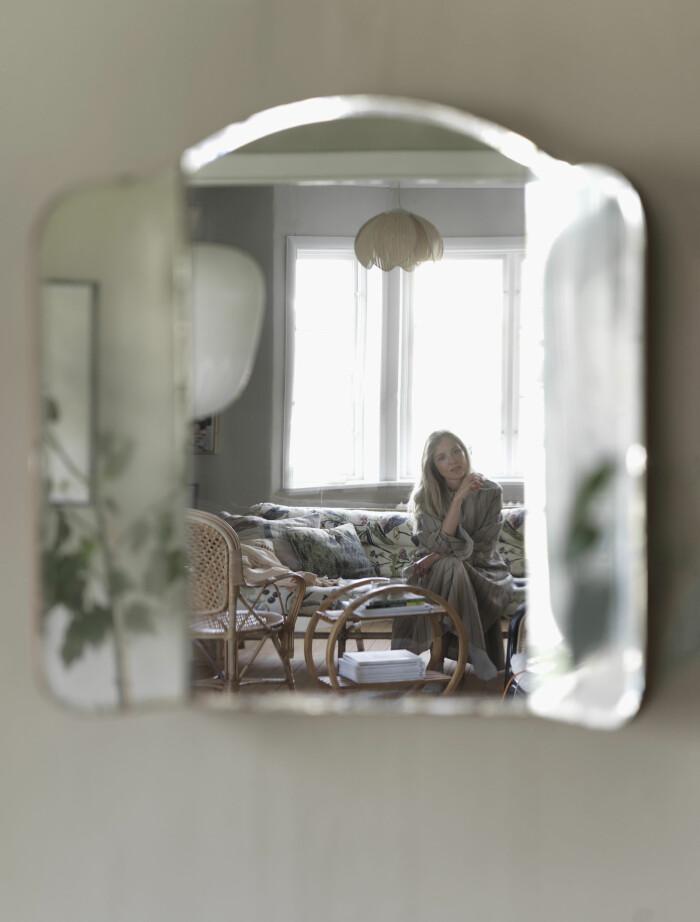 Catarina Skoglunds skärgårdshus på Asperö spegel porträtt