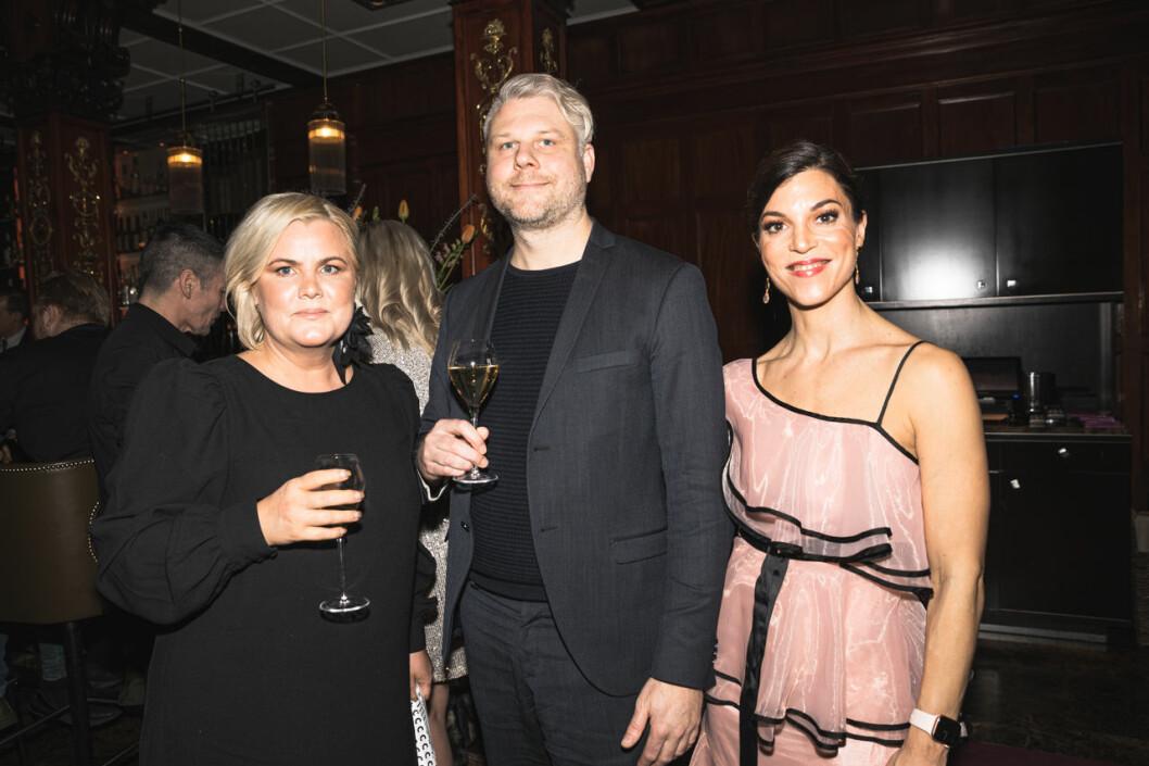 Malin Karlunden, Tobias Franzén och Sara Forssberg på annonsmingel före ELLE-galan 2020