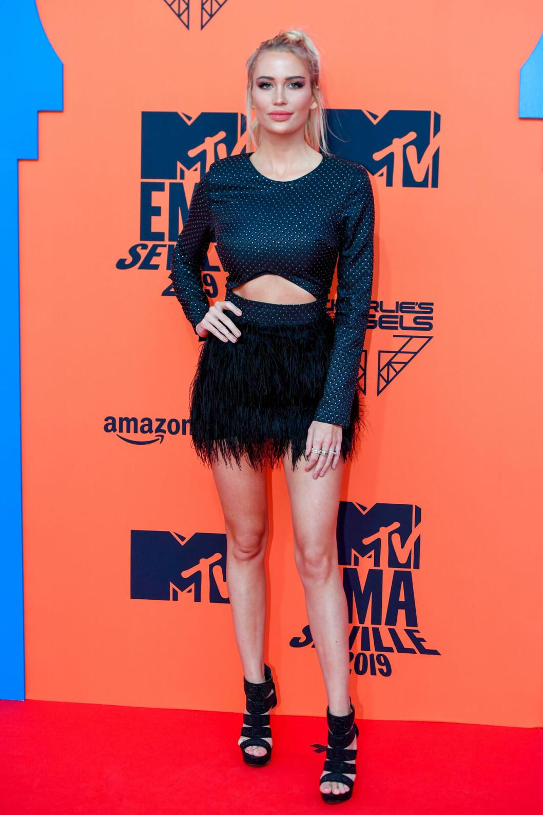 Anouk Matton på röda mattan på MTV EMA 2019