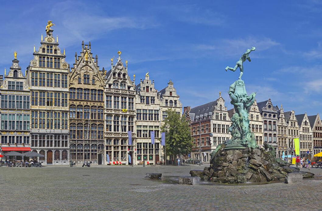 Staden och torget i Antwerpen, Belgien