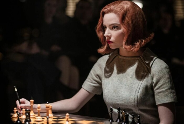 Anya Taylor-Joy i rollen som Beth i The Queen's Gambit
