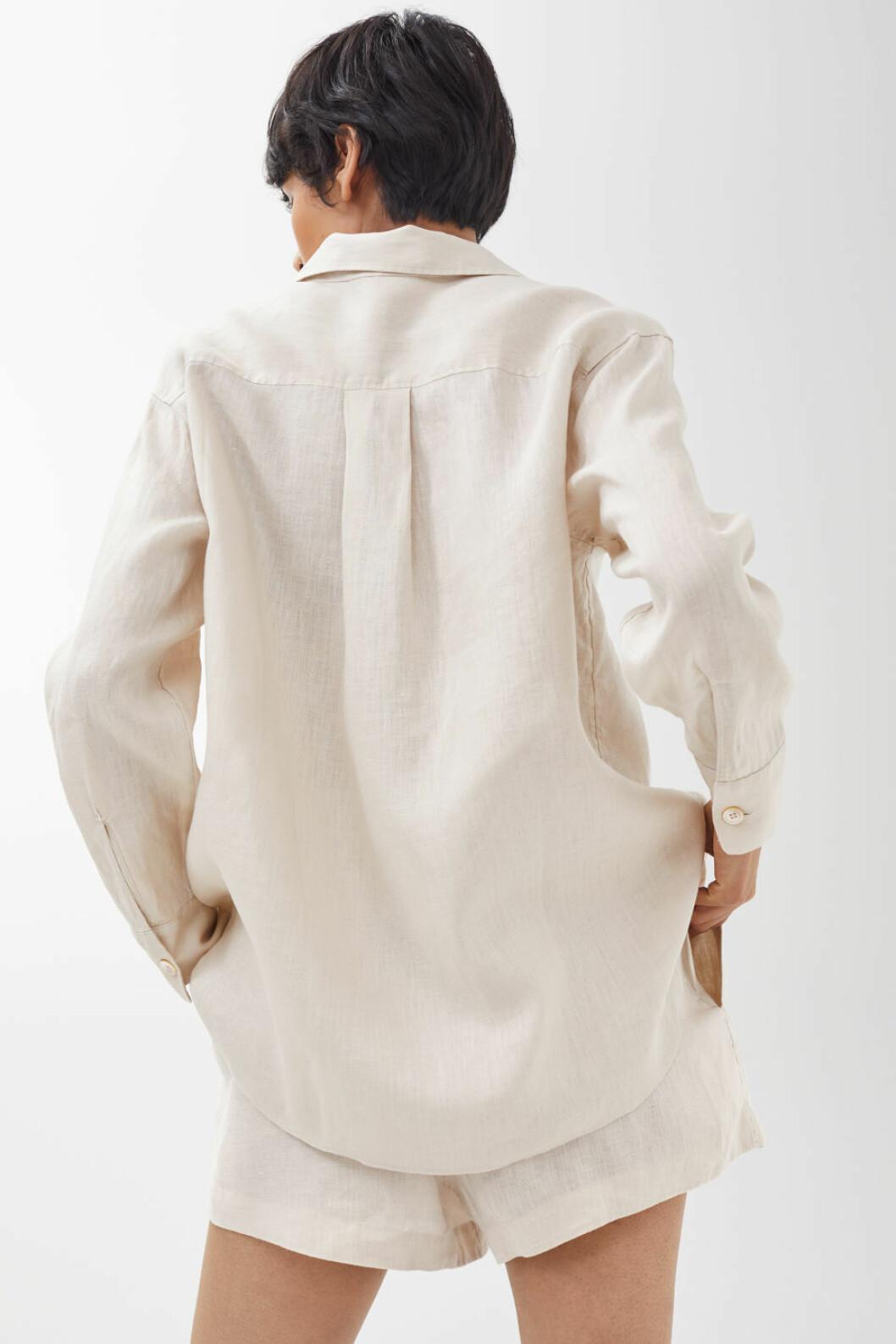 Linneskjorta från Arket.