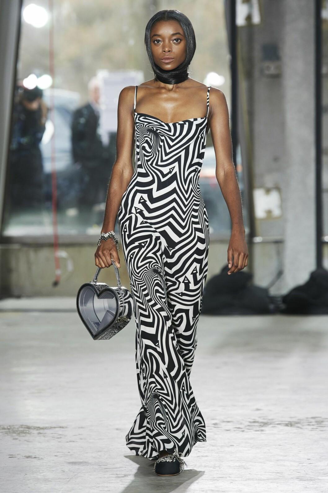 Zebramönstrad klänning