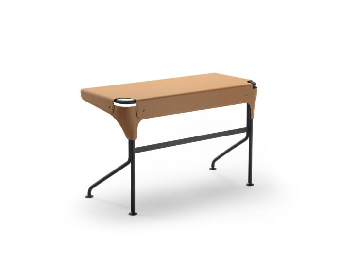 Skrivbord Tucano av Monica Förster för Zanotta