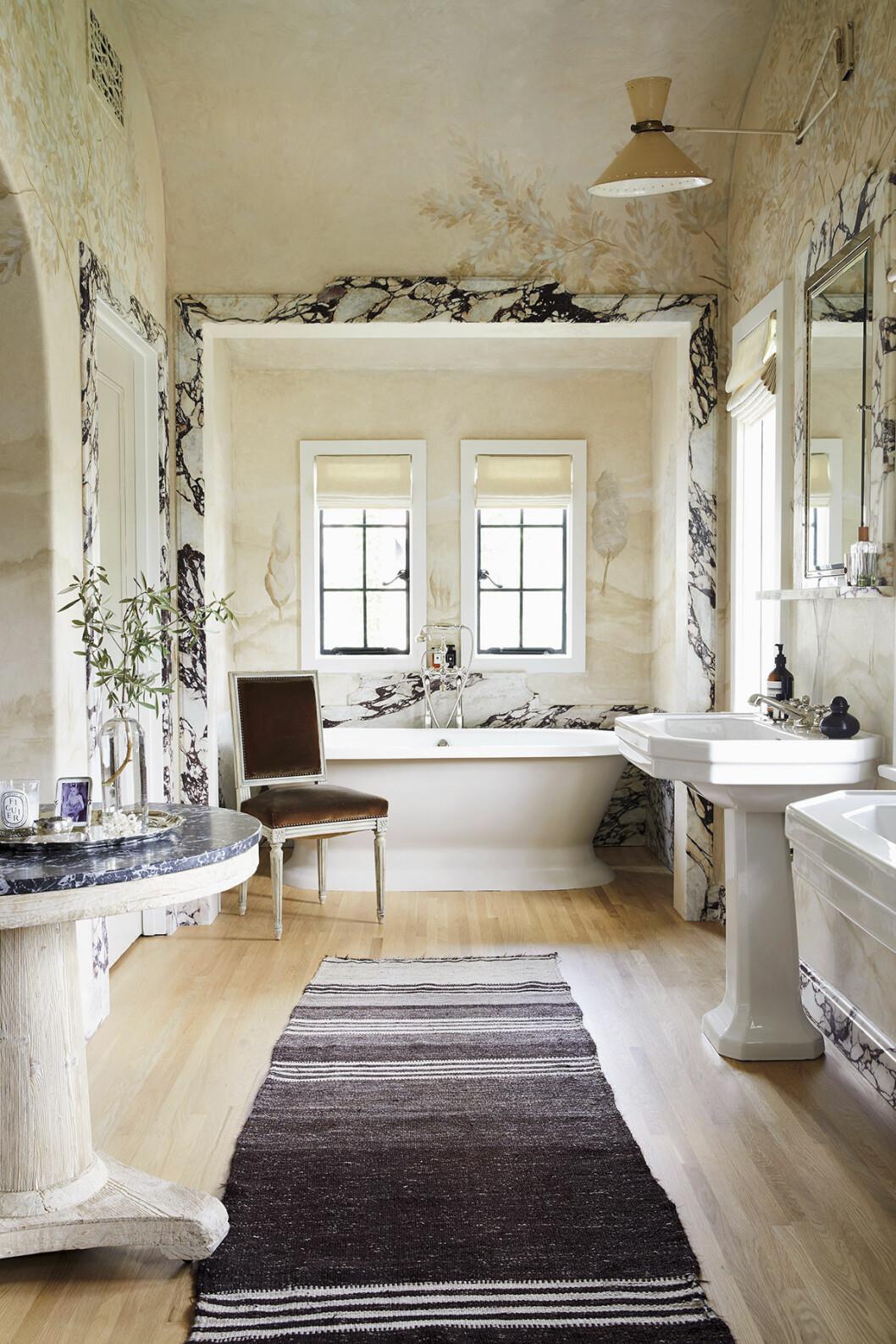 badrum marmor mural vaggmalning inspiration