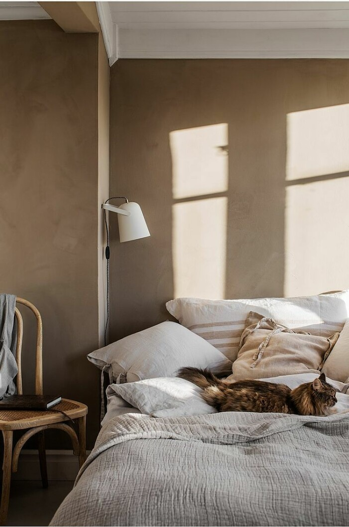 sängkläder och bäddset i linne