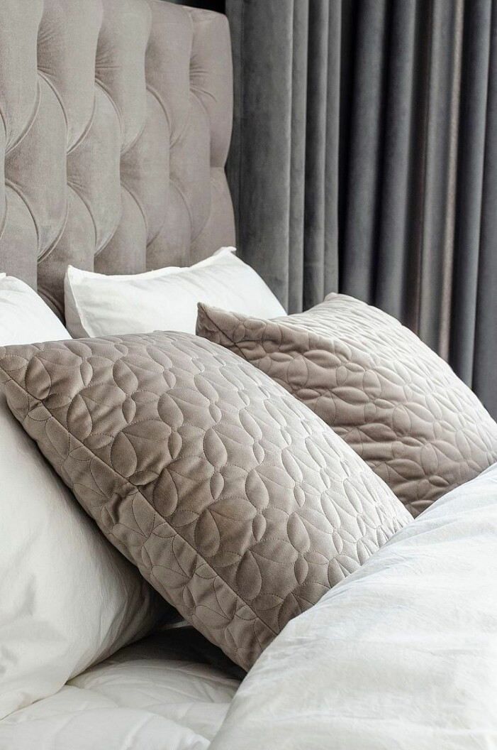 bädda sängen hotell kudde