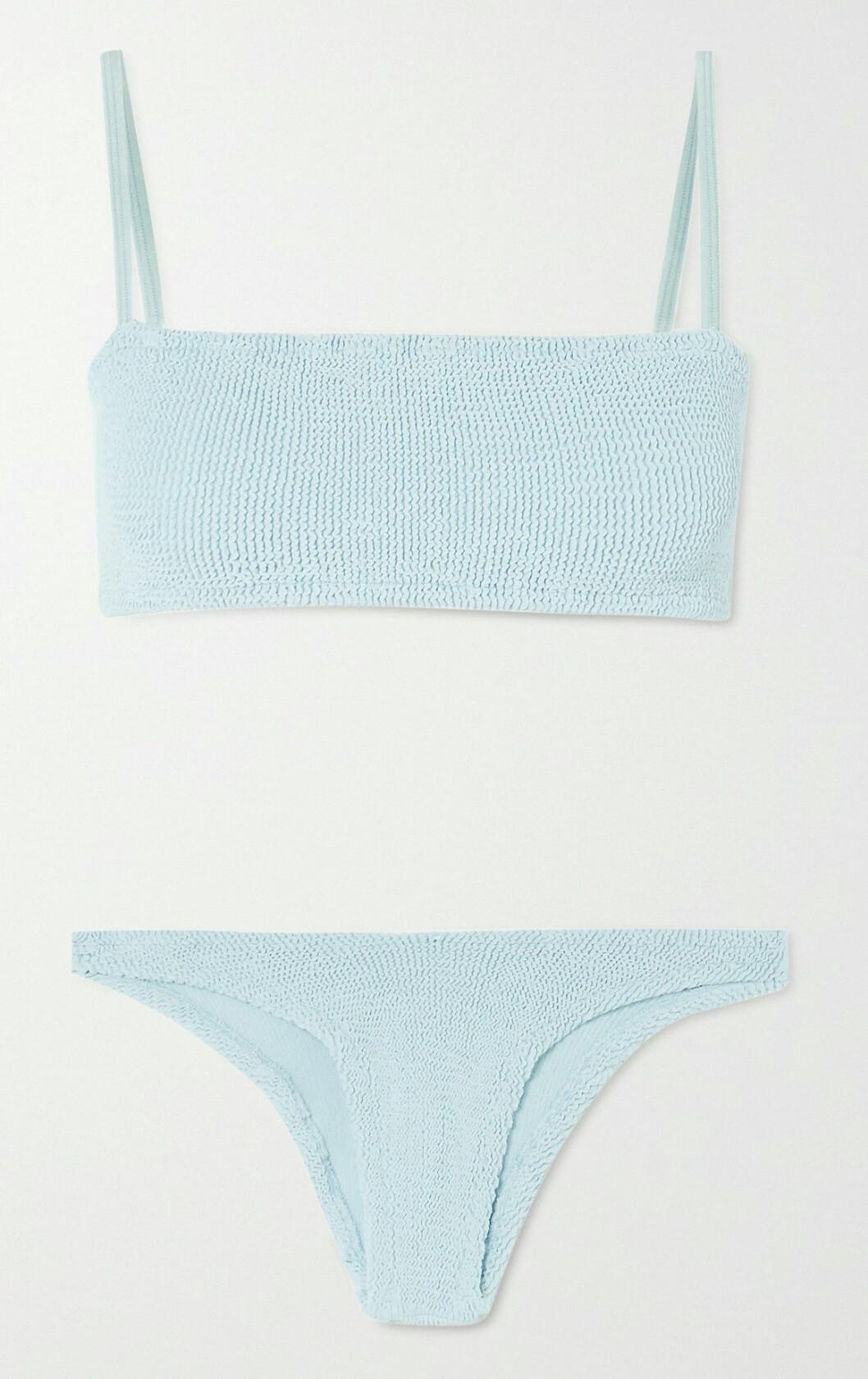 Babyblå bikini från Hunza G som gör ikoniska badkläder i one-size