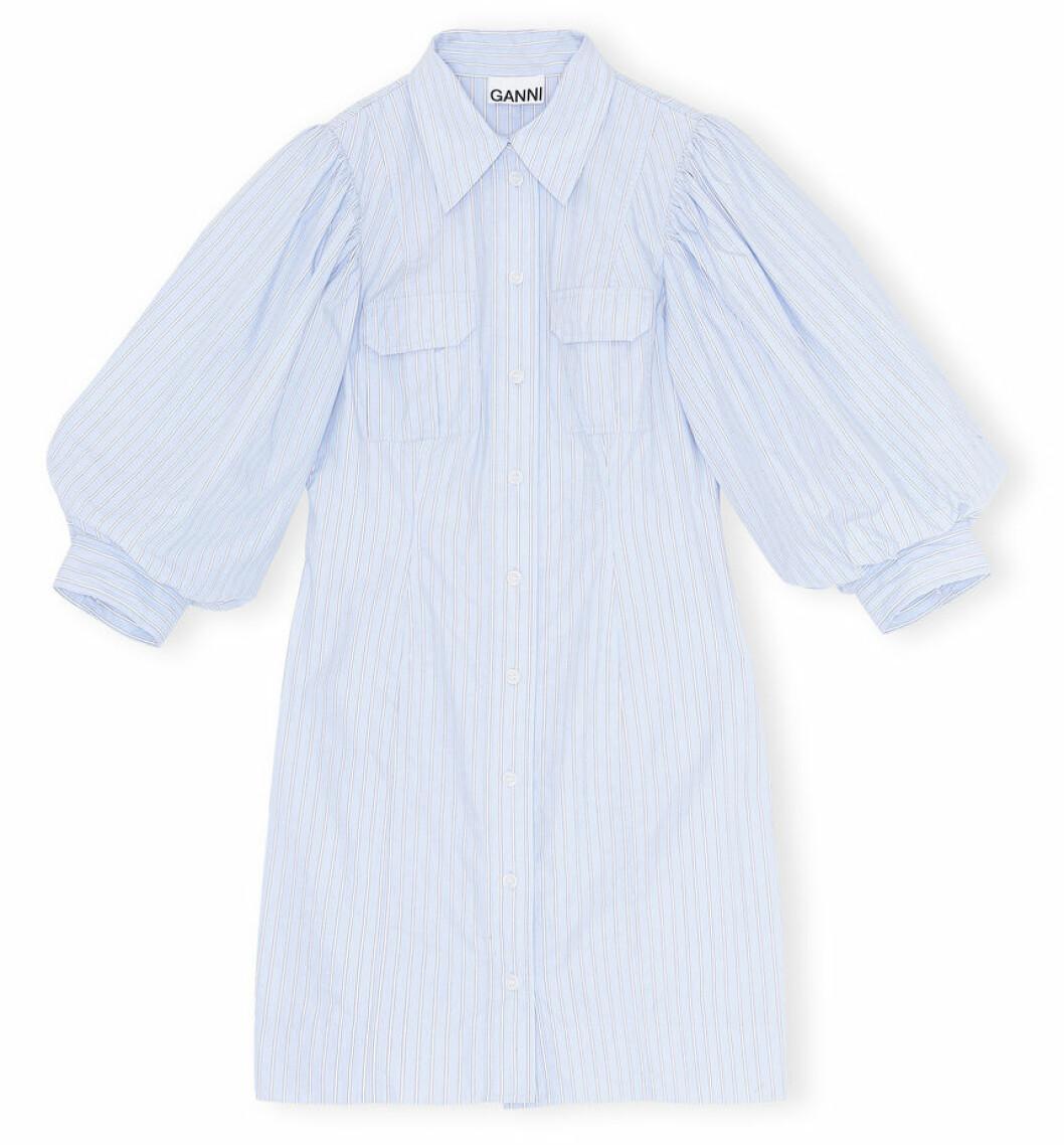 Babyblå klänning från Ganni.