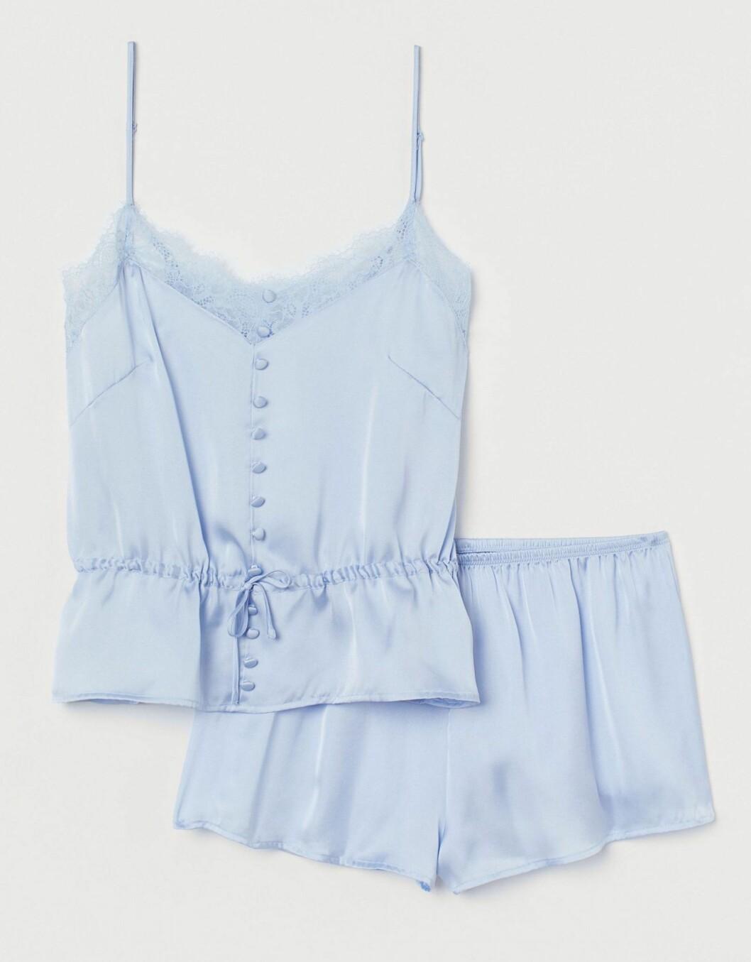 Ljusblått pyjamasset från H&M.