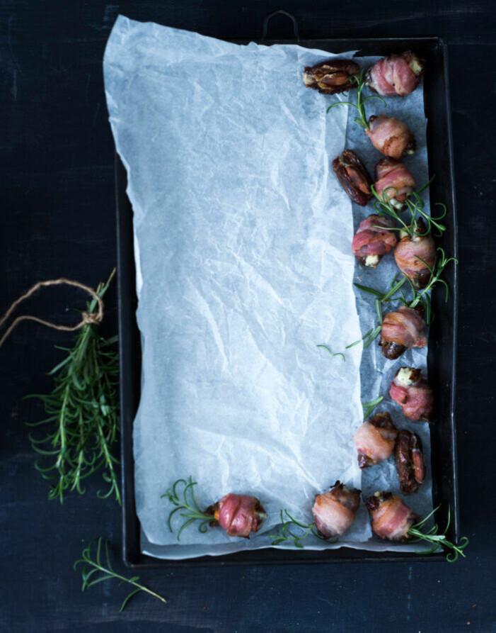 Recept på baconlindade dadlar med ädelostfyllning