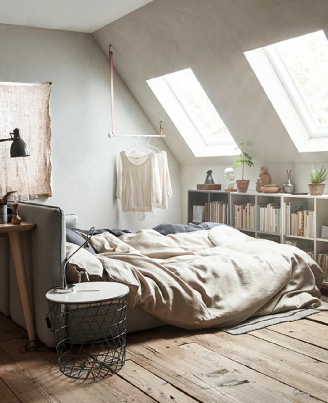 Bäddsoffan Vallentuna som Eva Lilja Löwenhielm designat för Ikea kombinerar förvaring, soffa och säng i ett.