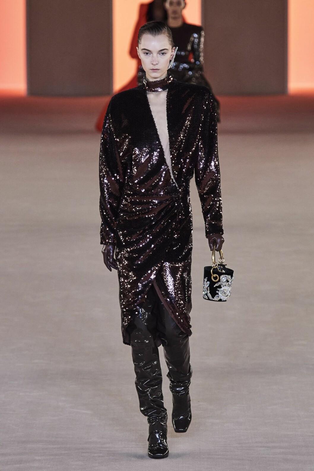 Brun paljettklänning hösten 2020