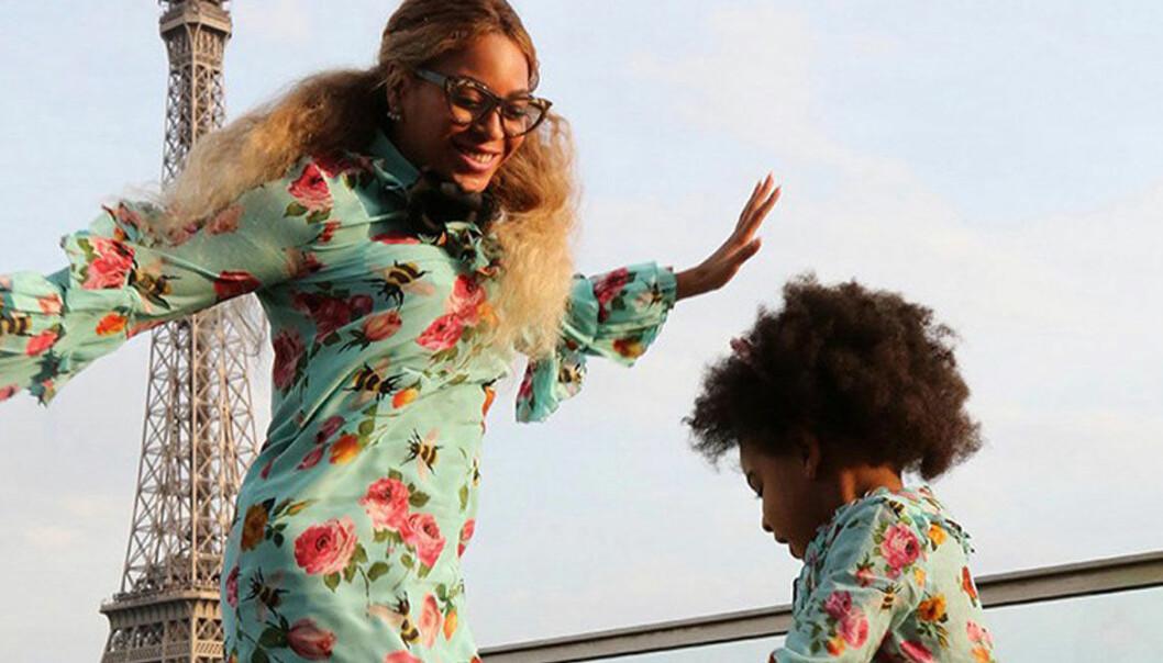 Beyonce och Blue Ivy hoppar