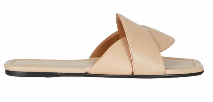 Beige sandaler med fyrkantig tå