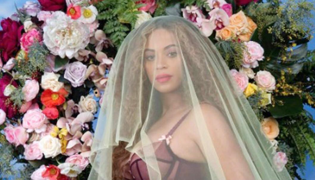 Beyoncés berömda gravidbild.