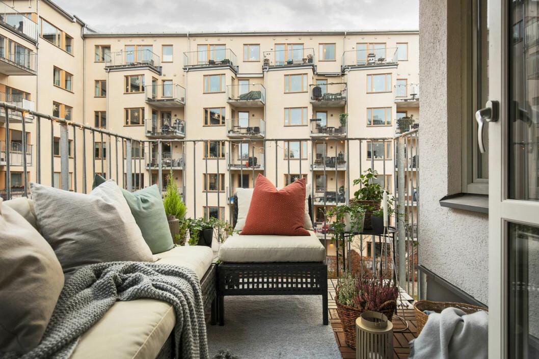 Bianca Ingrosso säljer sin lägenhet, balkong