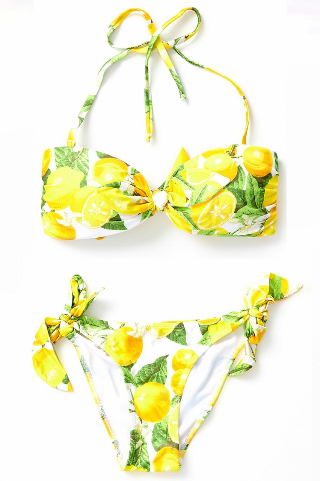Bikini med citroner på från Gina Tricot.