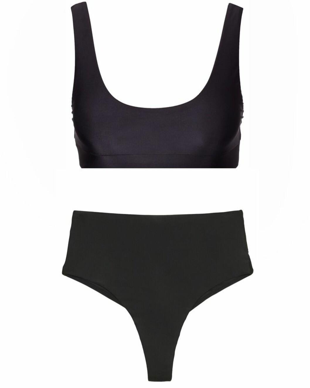 Svart enkel bikini från NLY Beach.