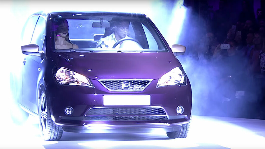 Bild från första uppvisningen av bilen under London fashionweek förra veckan. Foto: Youcar/Toutube