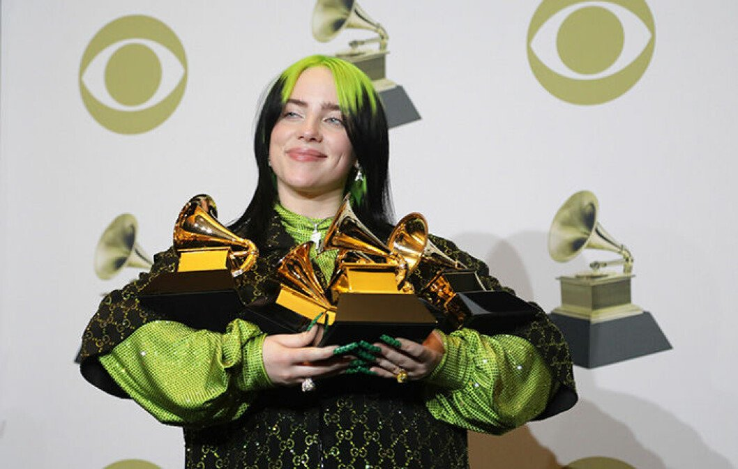 En bild på artisten Billie Eilish på Grammy Awards 2020.