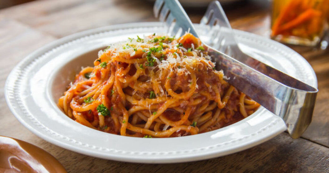 Pasta med egen tomatsås – gott och billigt!