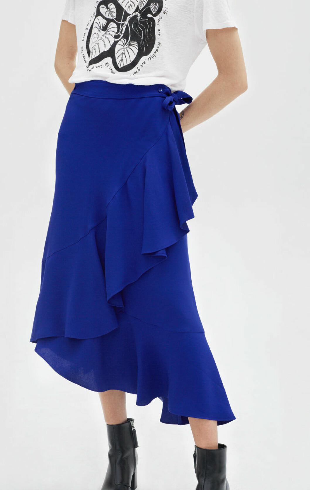 Blå vadlång kjol med volang