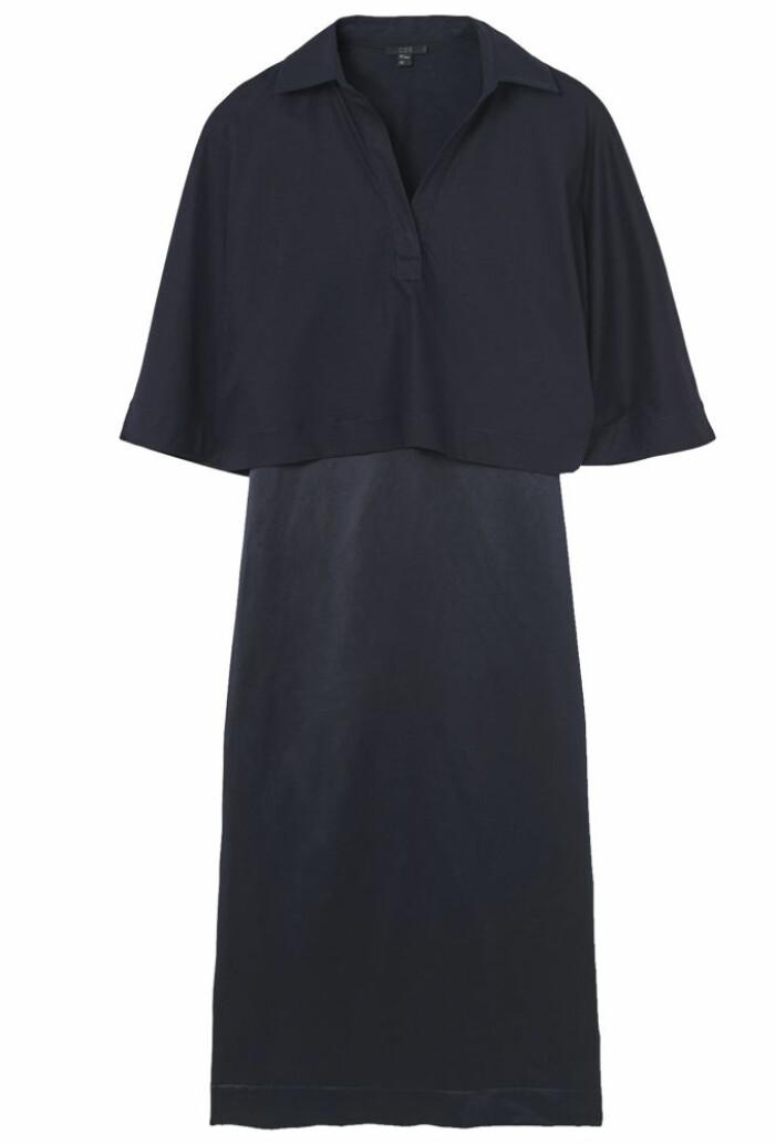 Mörkblå klänning från COS