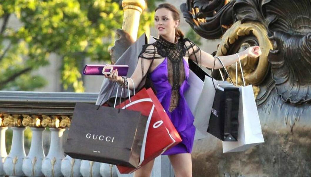 Blair i Gossip Girl bär på massa shoppingpåsar