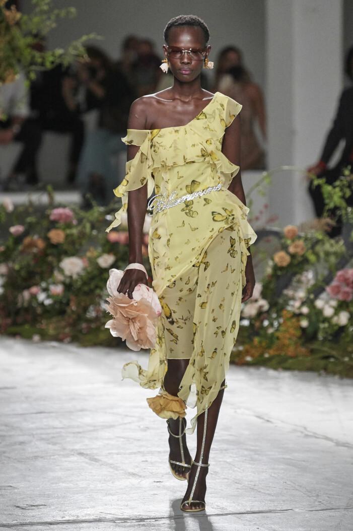 transparent klänning vårmode 2021