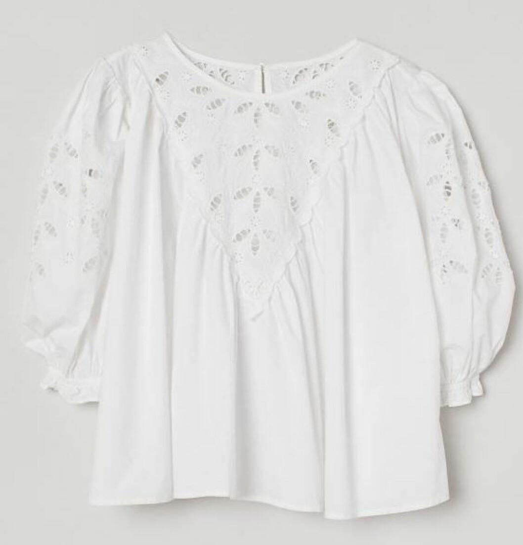 Wow-faktor på denna blus från H&M som finns att kika närmare på här.