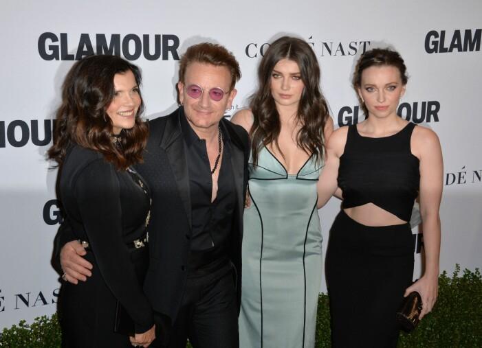 Bono tillsammans med dottern Eve från Behind Her Eyes.
