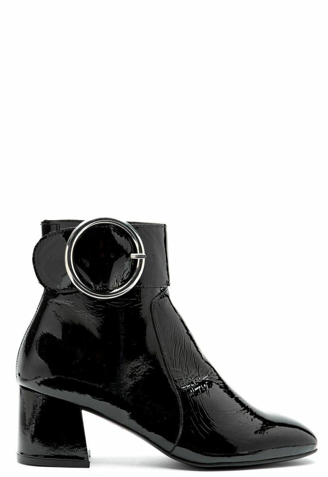 Boots I lack med spänne