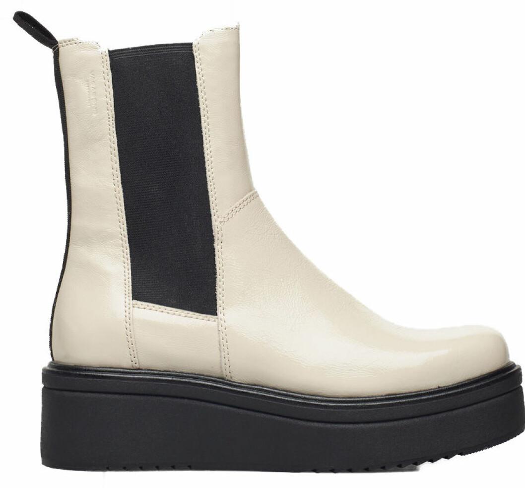 Vita boots från Vagabond med chunky sula och högt skaft