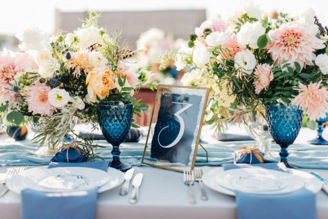 Bordsnummer dekoration till bröllop