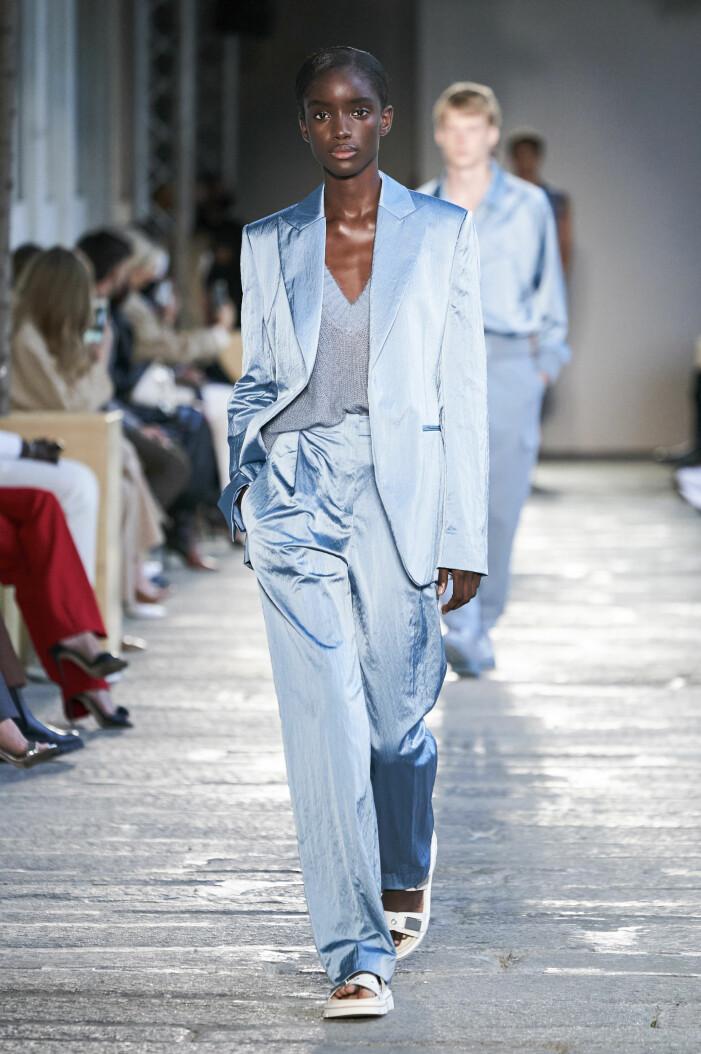 Ljusblå kostym