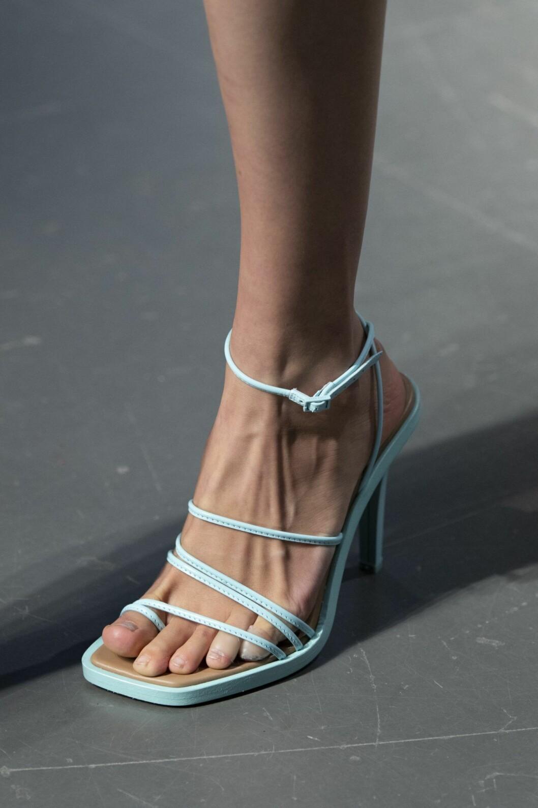 ljusblå rem-sandaler
