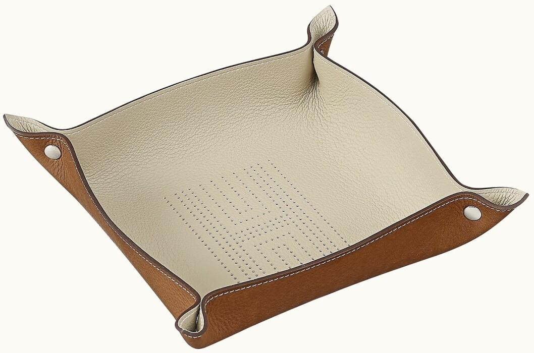Läderbrickan Mises et relances h'dot change tray från Hermès.