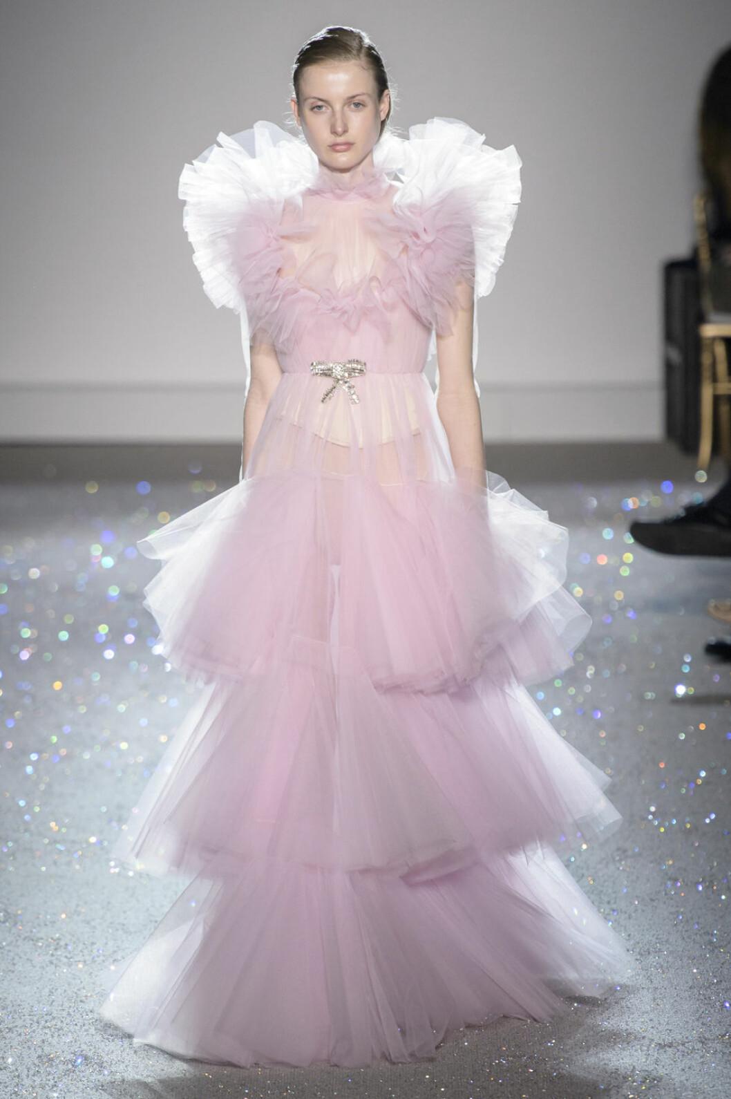 Giambattista Valli bröllopstrender rosa