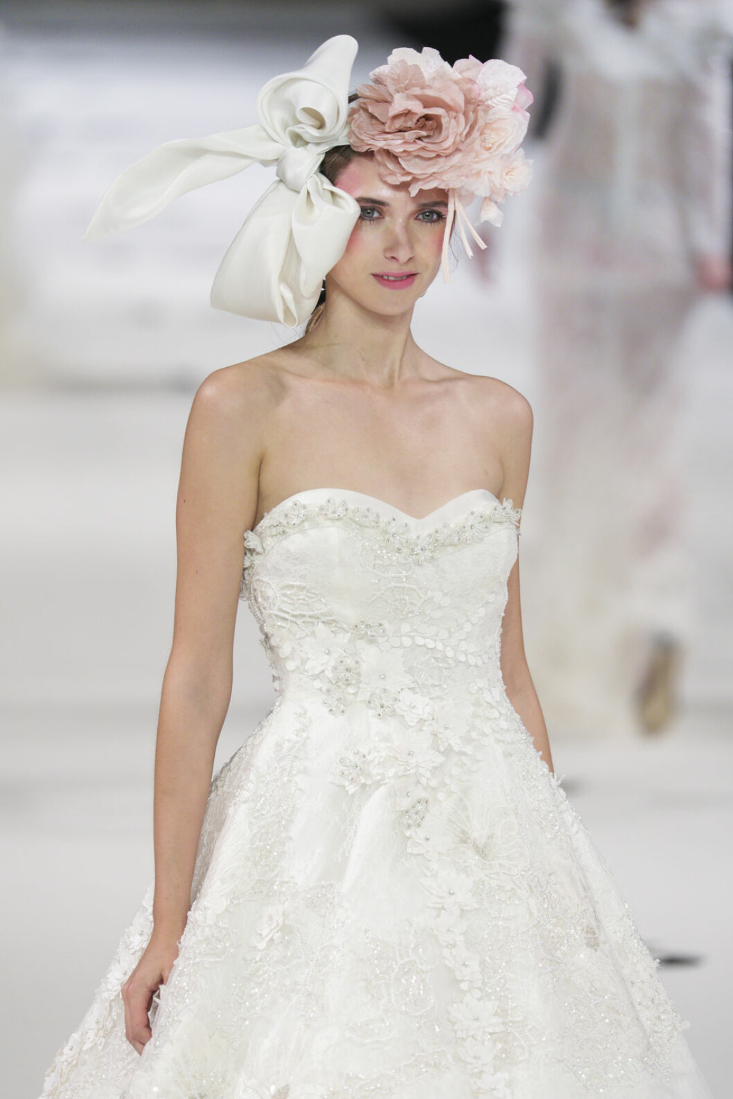 Yolan Cris bröllopstrender rosa