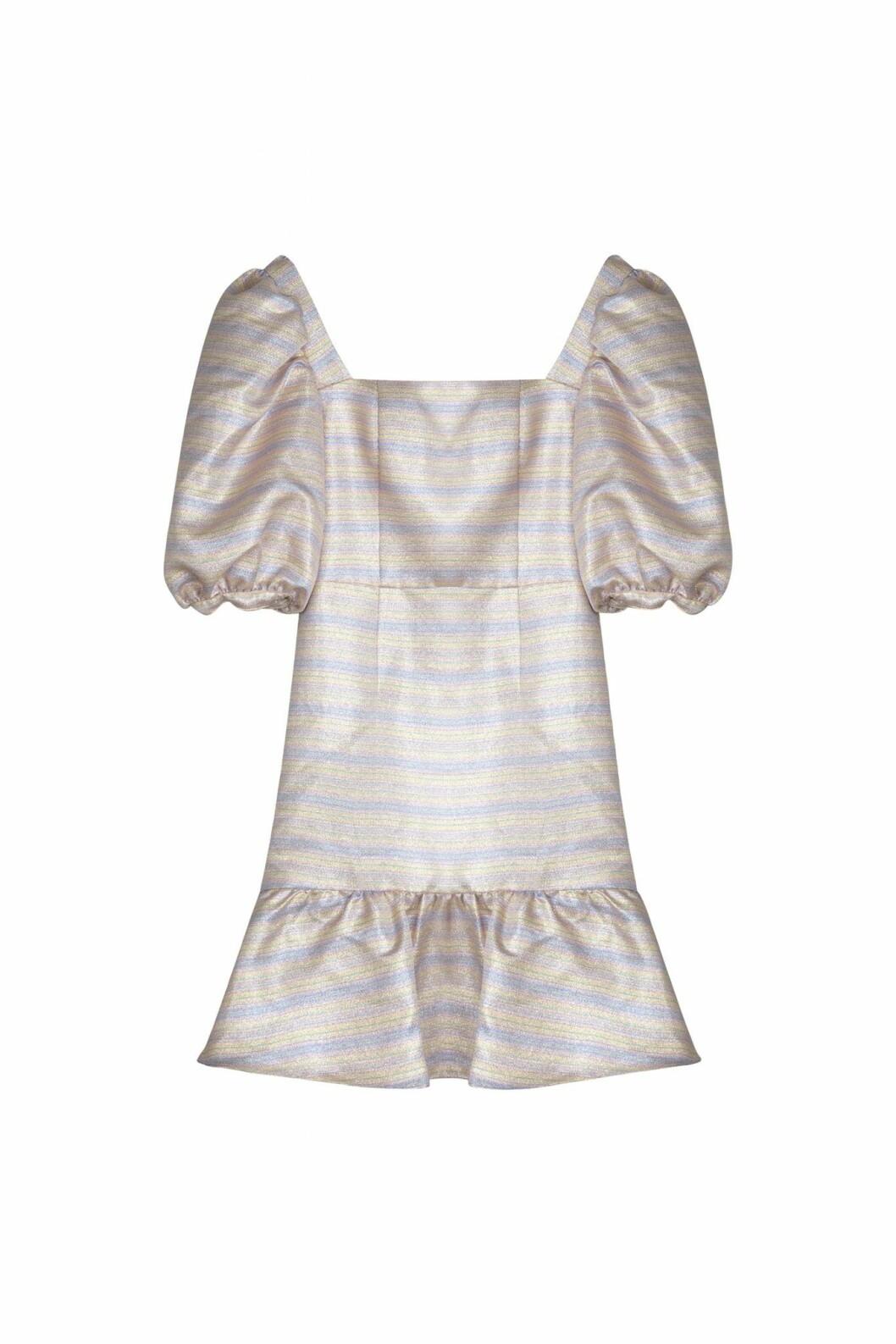 By Malina höstkollektion 2020: volangklänning med puffärm