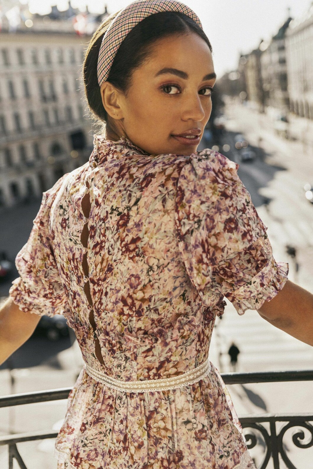 Blommig klänning ut By Malinas höstnyheter