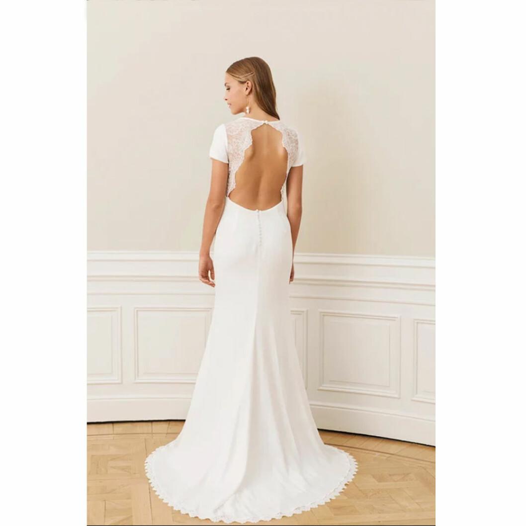 Vacker rygg brudklänning