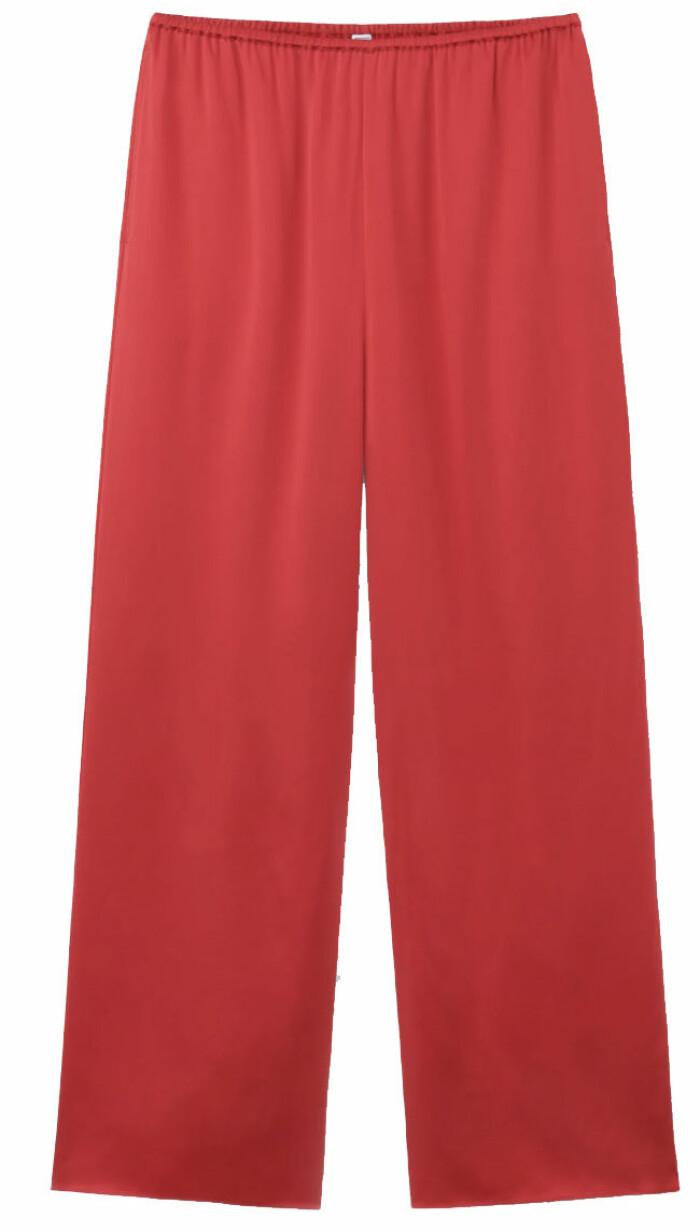 byxor i rött från toteme