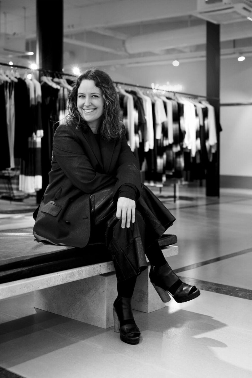Porträtt på Carin Rodebjer som vann Årets Designer på ELLE–galan 2019