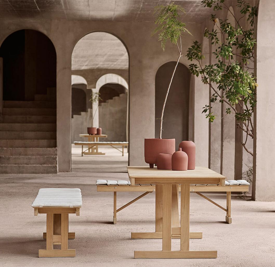 Utomhusbord och bänk från Carl Hansen