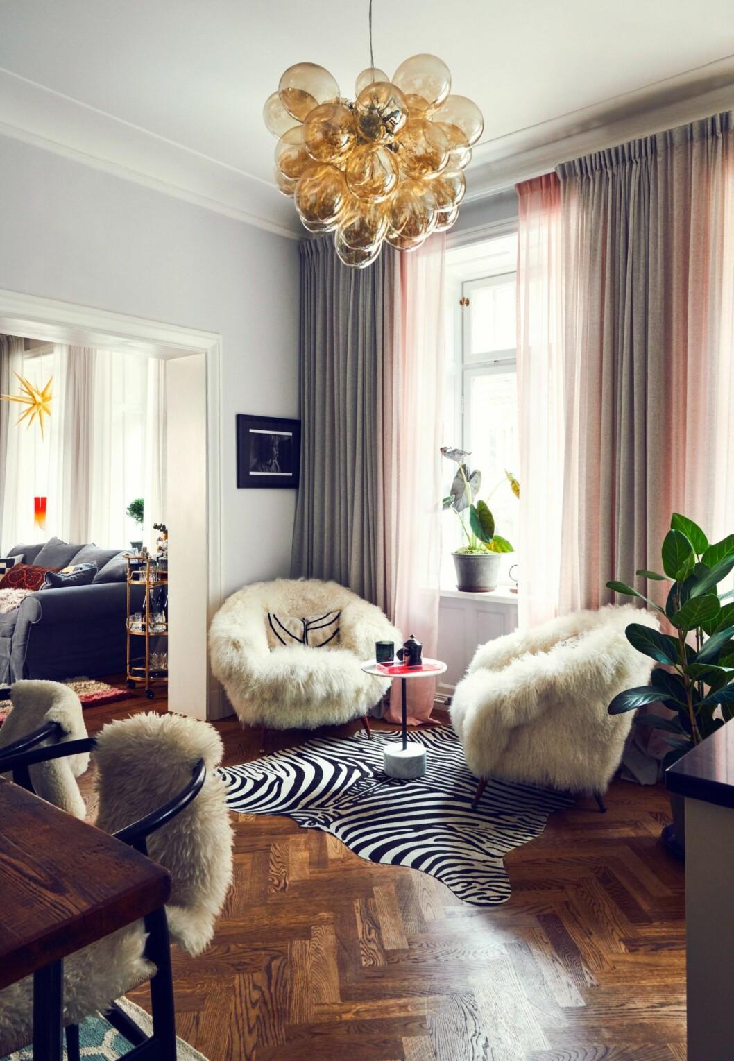 Vardagsrum hemma hos modellen och programledaren Caroline Winberg i Stockholm