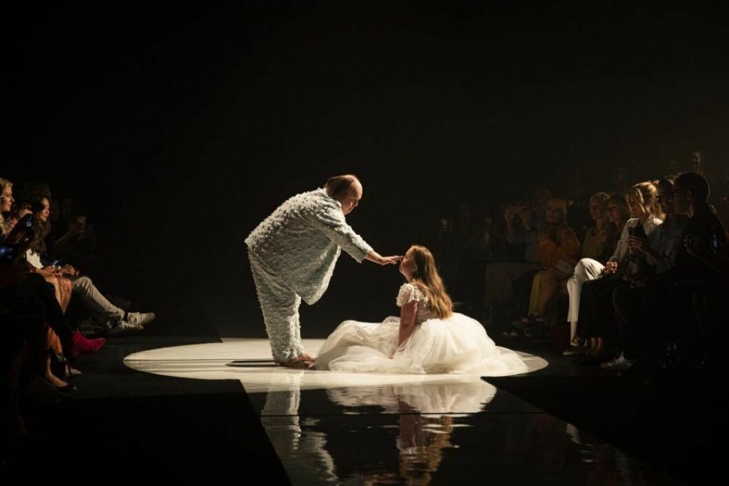 Här går Glada Hudik-teatern catwalk i New York | Elle