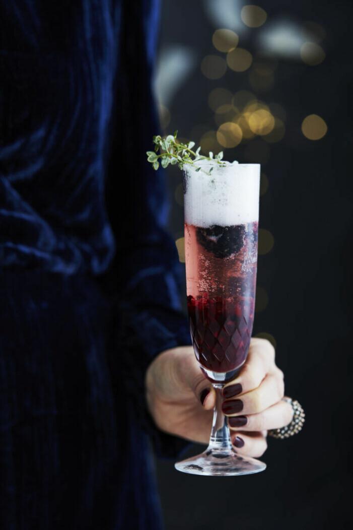 Recept på alkoholfri cocktail med björnbär