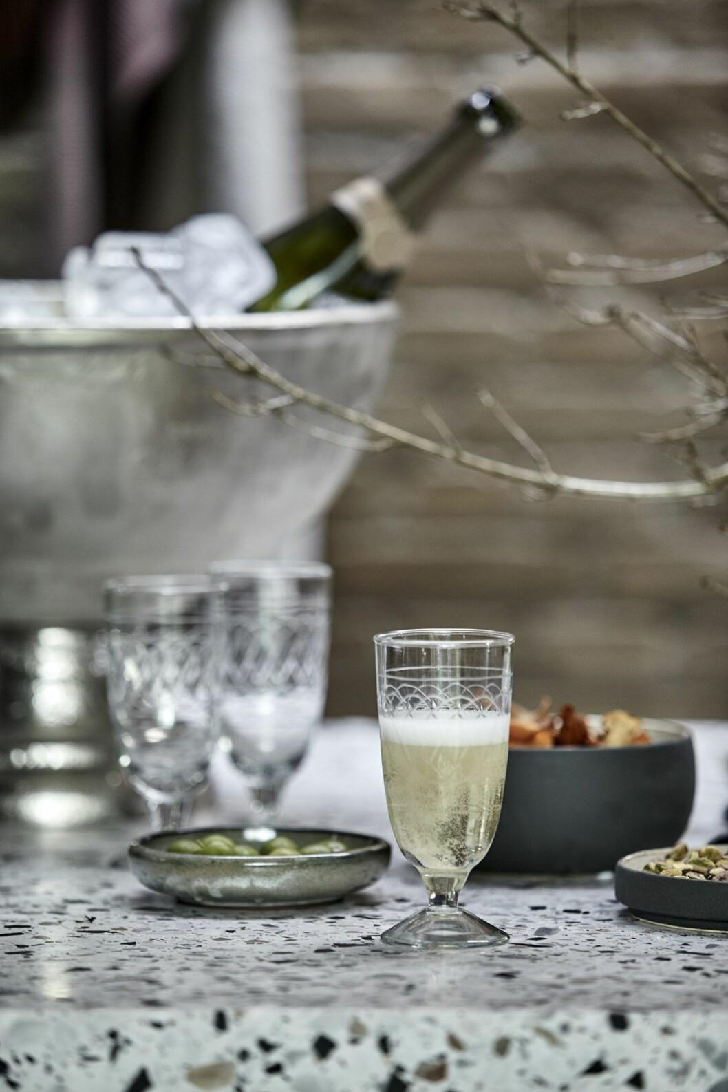 Champagneglas och kylare